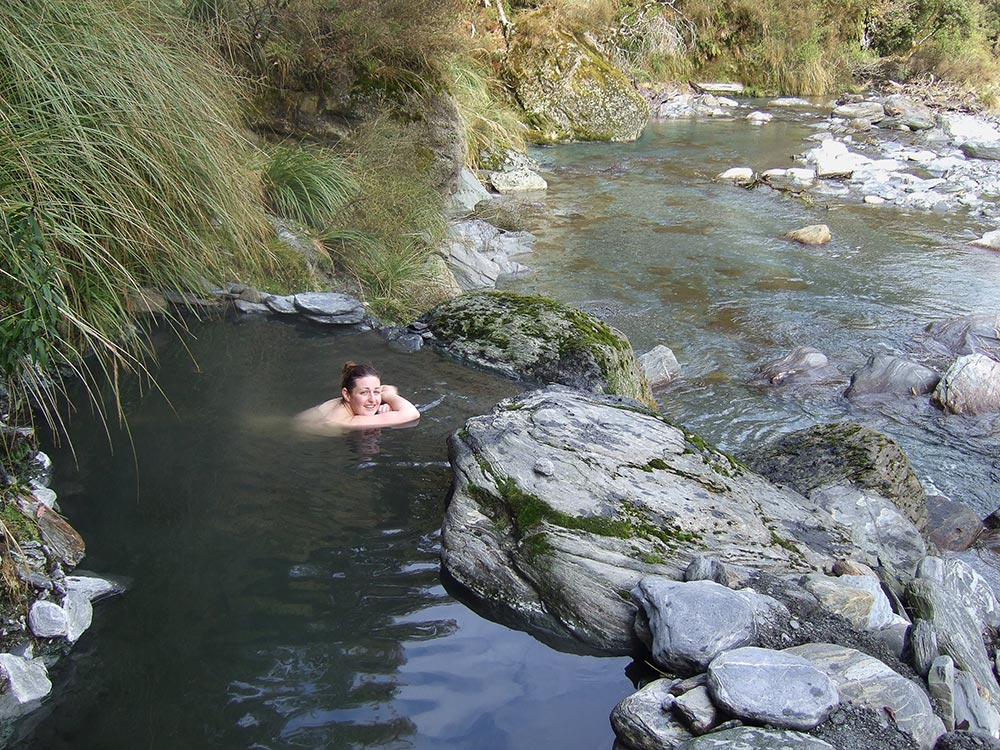 Hiking Into Hot Springs In New Zealand Hot Springs Of Nz